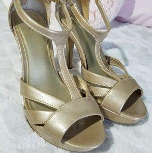 Golden pearl high heels